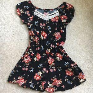 Girls Floral Romper (w/Shorts & Pockets) Sz 14/16